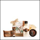 The Body Shop poklon paket za negu tela Hand-Cracked Coconut Little Gift Box AYR21